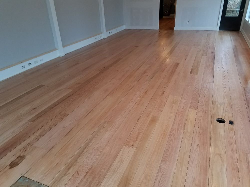 Bild Wood Floor - Refinished Red Oak Planking with water-based finish